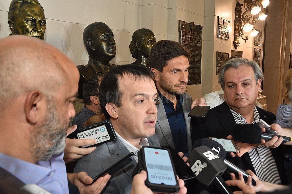Palo Oliver, Blanco, Pullaro y Farías, los jefes de la bancada del Frente Progresista que definirá el destino del proyecto de Necesidad Pública. Crédito: Flavio Raina