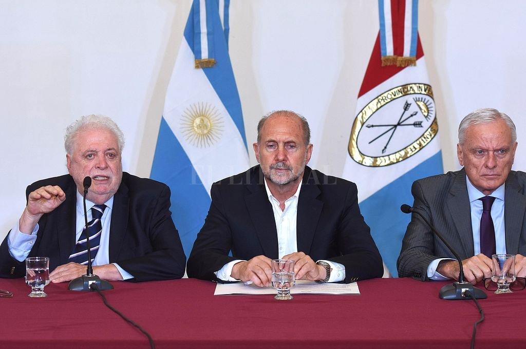Ginés González García estuvo acompañado por el gobernador Perotti y el ministro de Salud de la provincia, Carlos Parola.  Crédito: Telam