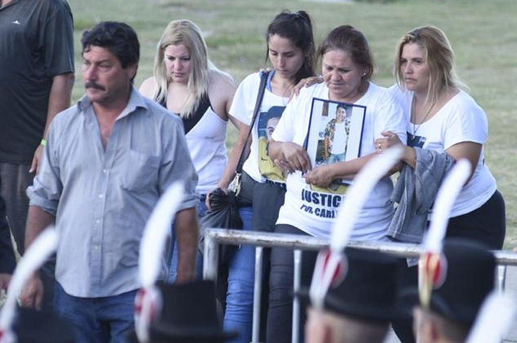 Familiares de Carlos Orellano pudieron hablar con el presidente Alberto Fernández durante su última visita a Rosario. Le pidieron que se haga justicia. Crédito: Marcelo Manera