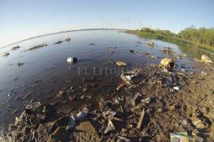 """""""Río Paraná: ¿sopa de plásticos?"""""""