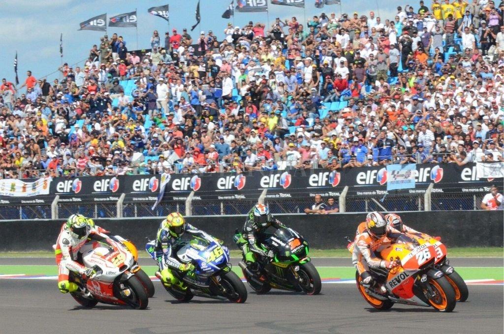 Magnífico espectáculo. Imágenes de Moto GP que por ahora deberán esperar en el autódromo de Termas de Río Hondo.   Crédito: Archivo El Litoral