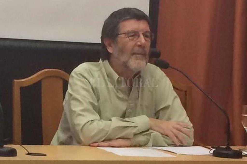 El profesor Silvio Cornú propondrá un abordaje sin conocimientos previos de latín, centrado en la presencia de dicha lengua en nuestra vida cotidiana. Crédito: Gentileza SC