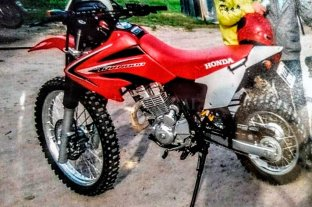 Violentaron un garaje  y robaron dos motos