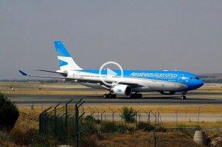 """El emotivo mensaje de un piloto de Aerolíneas Argentinas a los repatriados: """"Bienvenidos a casa""""  -  -"""