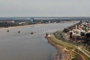 El Río Paraná en pleno descenso en Santa Fe