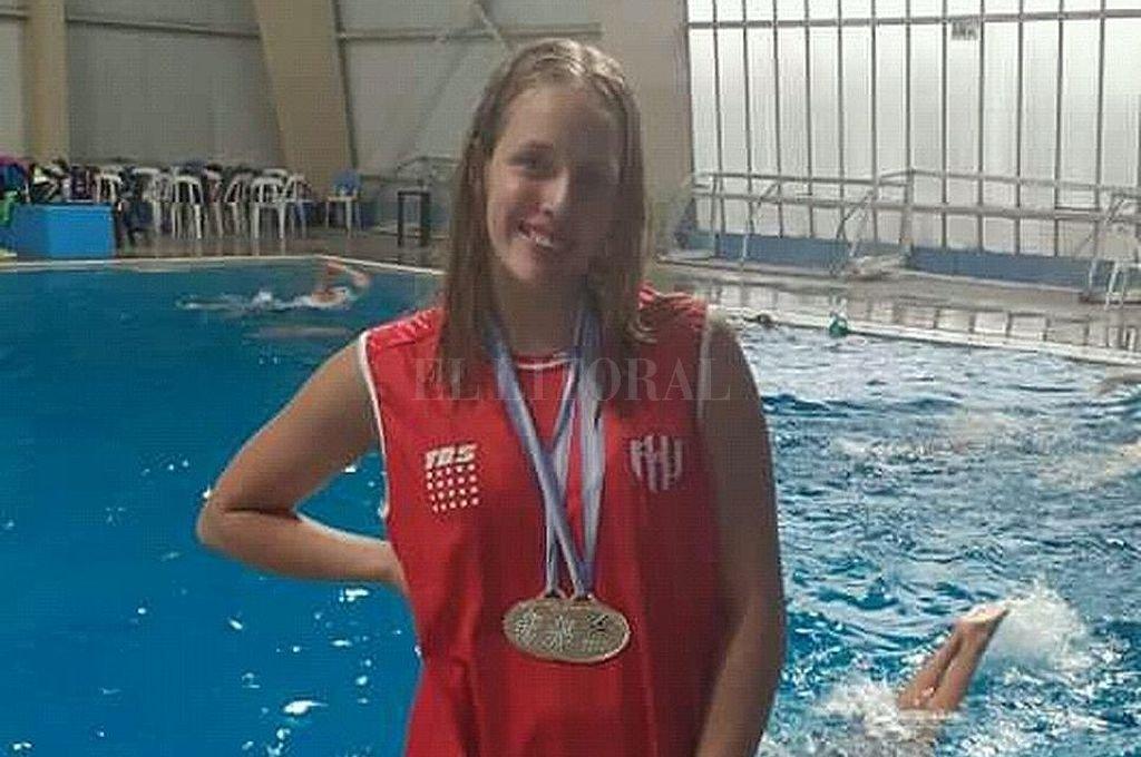 Candela Giordanino.  La nadadora del Club Atlético Unión brilló en la pileta del Cenard. Crédito: El Litoral