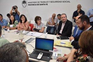 El gobierno decidió suspender  todas las paritarias provinciales