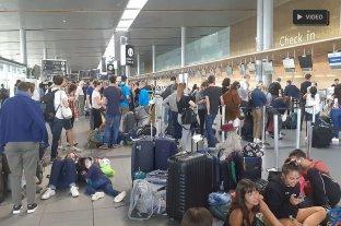 El desesperado relato de un santafesino varado en un aeropuerto de Colombia -  -