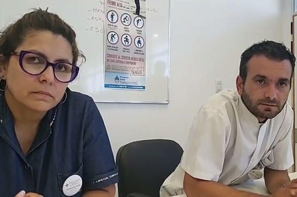 La Lic. Silvana Torres y el Dr. Leandro Bonzini, autoridades del Hospital Regional de Ceres, durante la conferencia de este viernes. Crédito: Facebook (Claudia Iturre)