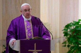"""Francisco inició la Semana Santa convocando a estar cerca del """"que sufre y está solo"""" -  -"""