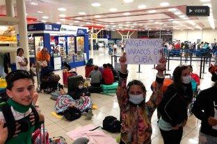 Unos cien argentinos varados en Cuba piden regresar al país