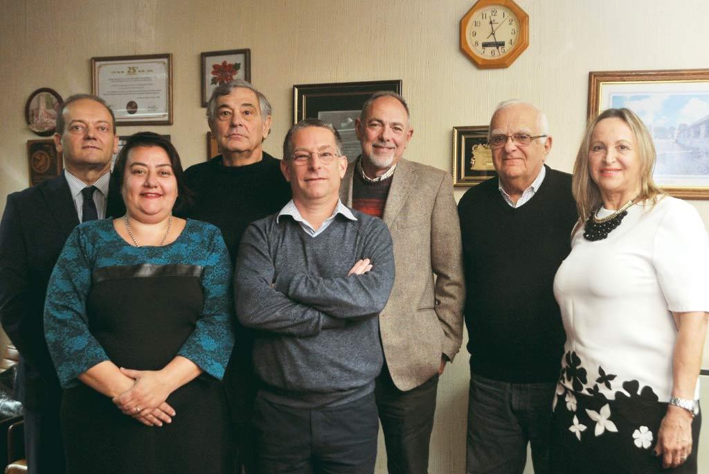 Comisión directiva: María Cecilia Barrios María, Rosa Sartor, Aldo Soli, Roberto Casabianca, Eduardo Camino, Alberto Tuninetti, Silvio Crocci y Leonardo Carnielli Crédito: Gentileza.