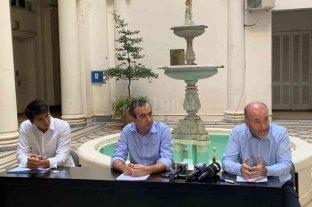 Javkin dispuso la reorganización del Ejecutivo para atender la emergencia
