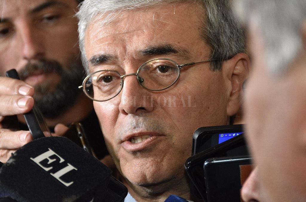 El ministro de Economía de la provincia, Walter Agosto, participó de la rueda de anuncios que encabezó el gobernador. Crédito: Flavio Raina
