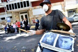 """Familiares de Claudia Repetto reclamaron """"justicia"""" frente a los tribunales a pesar de la cuarentena"""