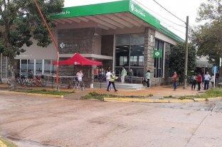 Operativo de desinfección y ordenamiento en cajeros automáticos de San Javier