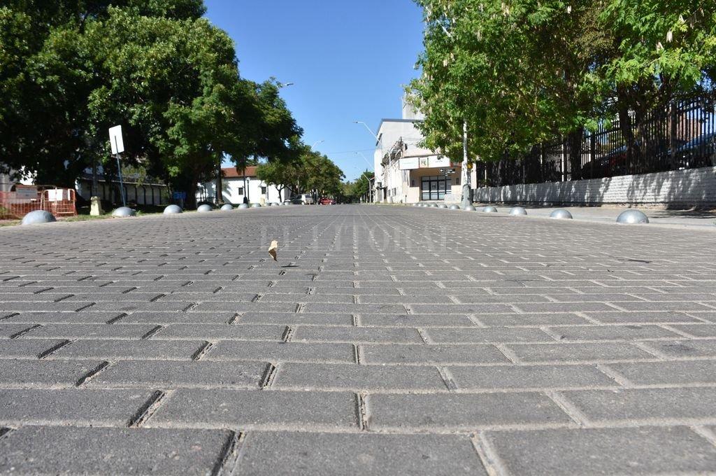 A causa de la pandemia, las calles de la ciudad permanecen vacías. Crédito: Flavio Raina