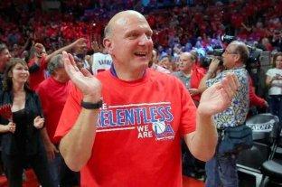 El dueño de un equipo de la NBA dona  25 millones de dólares para luchar contra el coronavirus