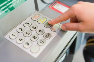El Banco Central garantizó el abastecimiento de efectivo en cajeros automáticos -  -