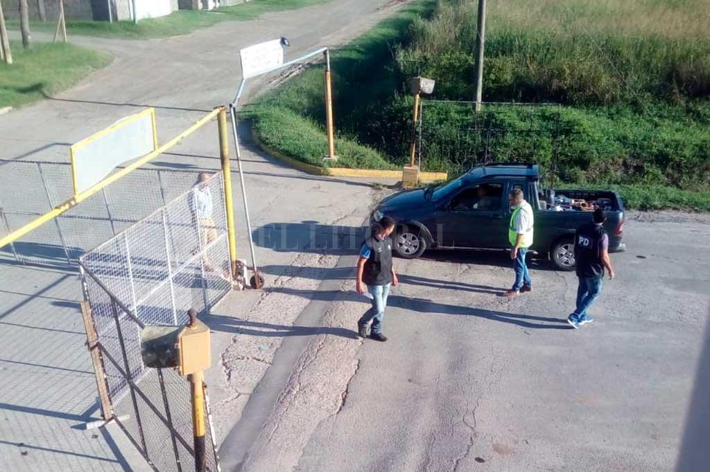 El viernes, personal de la PDI liberó la ruta que había sido cortada por una decisión unilateral de la Municipalidad de Sastre, cabecera del departamento San Martín, en el centro oeste de la provincia. Crédito: Gentileza