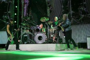 Metallica se reprograma para el 4 de diciembre - Robert Trujillo, Lars Ulrich, James Hetfield y Kirk Hammett, durante un show en Munich, el 23 de agosto de 2019. Foto: Gentileza Blackened Recordings -