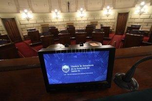 """El Senado se permite """"telesesionar"""" - Rubén Pirola encontró una """"puertita"""" para abrir la posibilidad de que los senadores puedan sesionar en un recinto virtual, por medios electrónicos. -"""