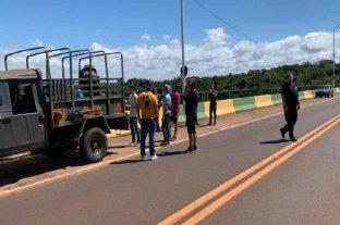 Diecisiete turistas quedaron varados en el puente de Puerto Iguazú