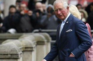 El príncipe Carlos finaliza su cuarentena por coronavirus