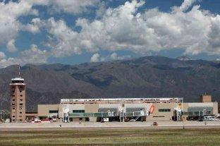 La primera desinfección aérea se realizó en el aeropuerto de Mendoza