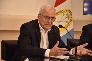 """En la provincia hay circulación viral pero no es """"descontrolada""""  - Carlos Parola, ministro de Salud de la provincia de Santa Fe.  -"""