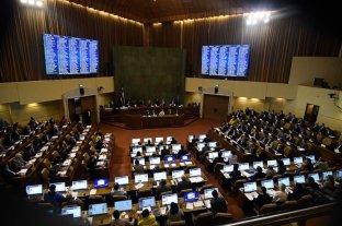 Chile suspende despidos pero habilita rebajas salariales