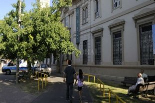 Rosario: aislaron a 36 ancianos del Geriátrico Provincia -  -