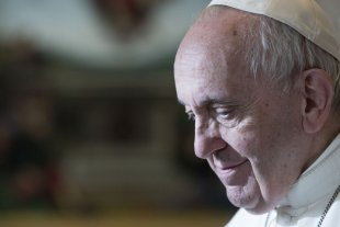 """Francisco pidió """"cercanía"""" con los sin techo en estos """"días de dolor y tristeza"""" -  -"""
