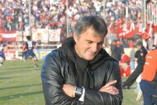 """""""En una encuesta, el 70 por ciento me elegiría en Unión"""" - Claudio Gugnali, un hombre formado y ganador en Estudiantes, pero que siempre sueña con su retorno a Unión."""