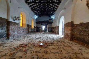 Aguardan la llegada de arqueólogos para analizar restos óseos encontrados en una capilla santafesina de 1830 -  -