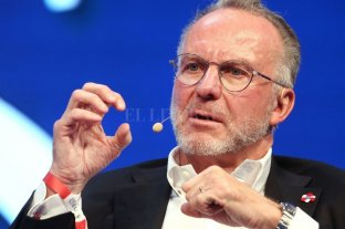 Rummenigge, ex jugador de fútbol, cree que la pandemia afectará los mercados de pases