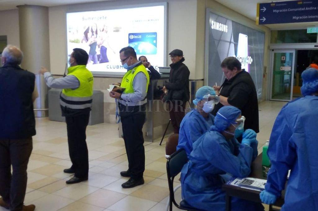 Desde que se cerraron las estaciones aeroportuarias en Ecuador, la situación de los pasajeros varados se tornó desesperante. Crédito: Gentileza