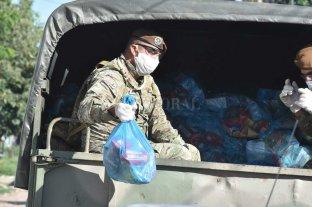 Las cuadrillas continúan brindando asistencia alimentaria en los barrios