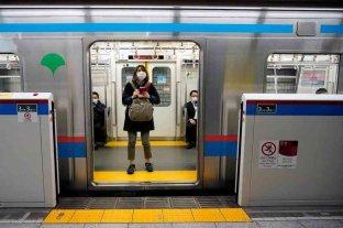 Japón rebaja su ritmo frenético en el primer día bajo estado de alerta