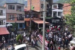 Colombia: una multitud rompió la cuarentena para despedir a un líder criminal muerto