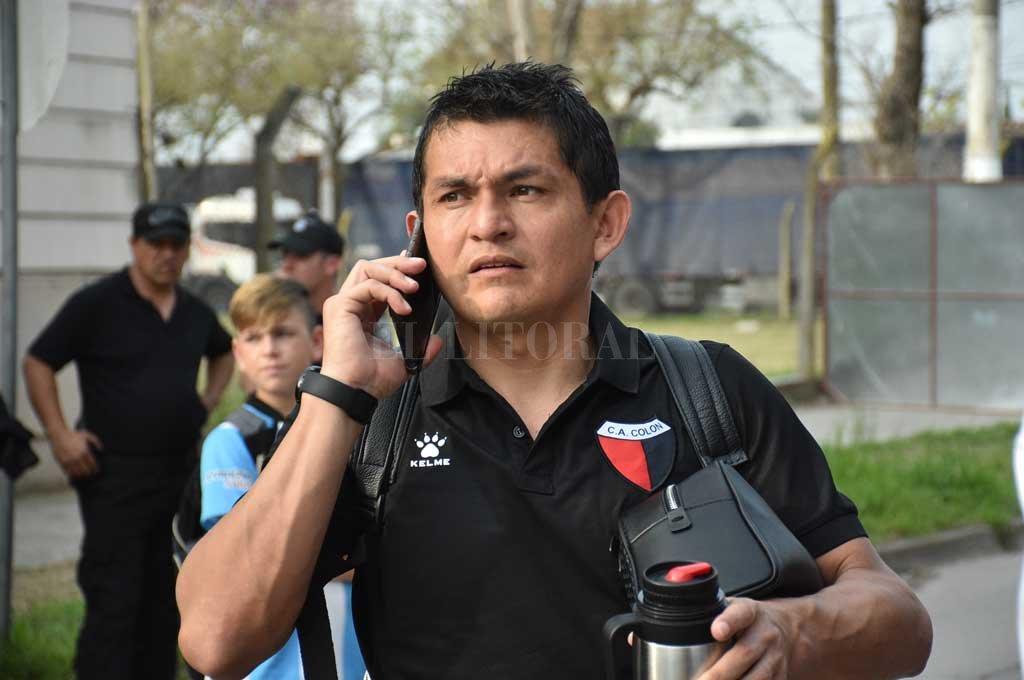 El delantero nunca encontró el buen nivel que mostró hasta la final de la Copa Sudamericana. Ahora, desde Tucumán, aclara que cumplirá su contrato en Colón Crédito: Manuel Alberto Fabatía
