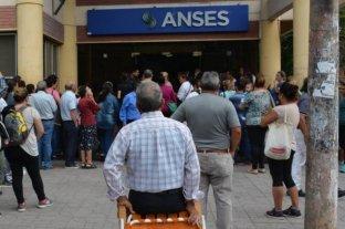 Los escribanos certificarán gratuitamente poderes para jubilados y beneficiarios de la Anses