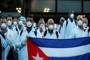 Cuba enviará a México médicos especialistas para combatir el coronavirus