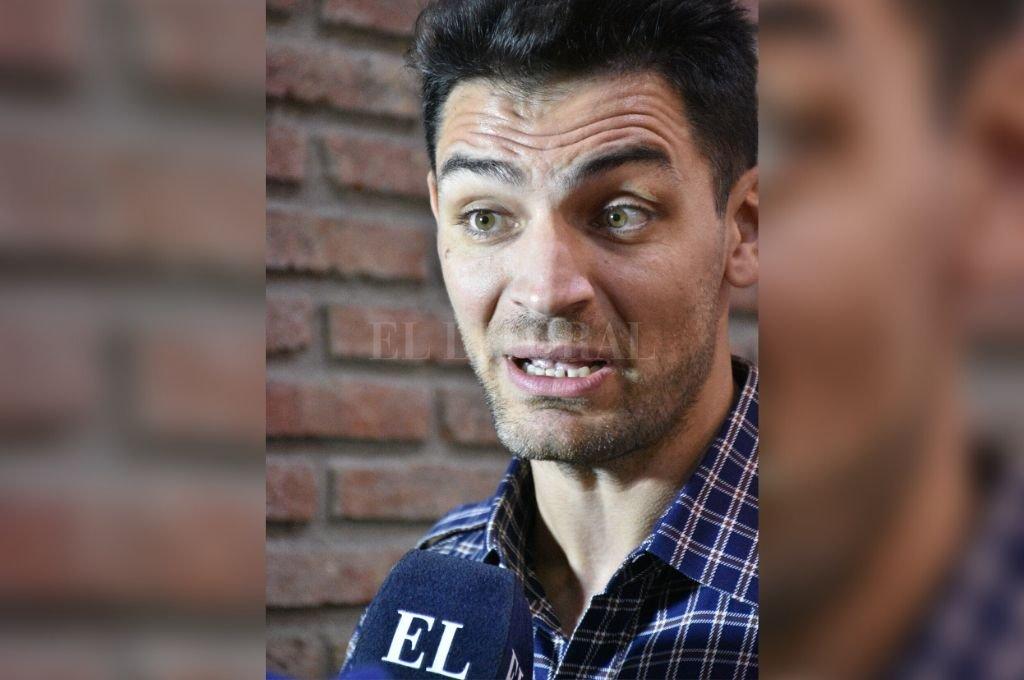 """El """"colapso sanitario"""", el mayor temor del santafesino Carlos Delfino, que vive en Italia.    Crédito: Luis Cetraro."""