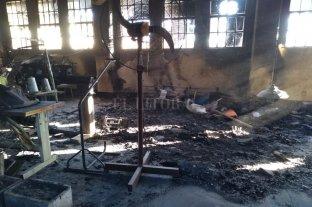 Continúa la limpieza de los talleres del IAPIP tras el motín de la Cárcel de Coronda