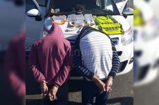 El viudo de Adelfa llevaba 5 Kg de cocaína en el auto - Los aprehendidos fueron puestos a disposición de la Justicia Federal. -