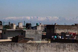 Histórico: bajó la contaminación y se puede ver el Himalaya por primera vez en 30 años