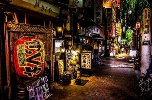 Bares y restaurantes de Tokio tendrán que cerrar a las 8 de la noche
