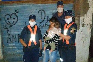 Córdoba:  tres policías salvaron a un bebé de morir asfixiado