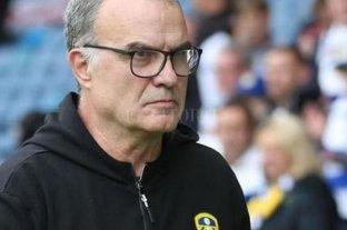 Leeds de Bielsa recibe al Barnsley y puede quedar al borde del ascenso
